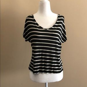 Cute bland and white striped tee